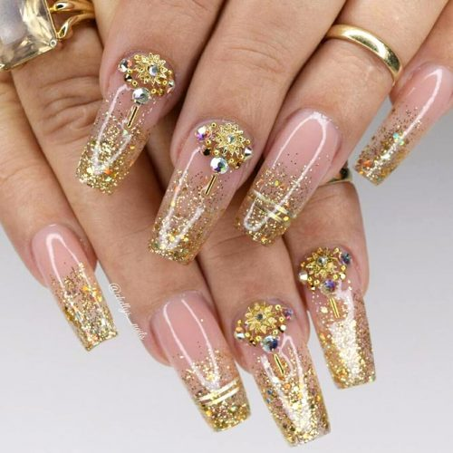 Gold Glitter Fade To Complete Your Trendy Look #glitternails #goldnails #rhinestonesnails #ombrenails #glitterombre