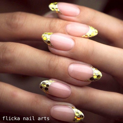 Magnificent Gold French Nails #goldnails #glitternails #frenchnails #frenchmanicure #frenchtips