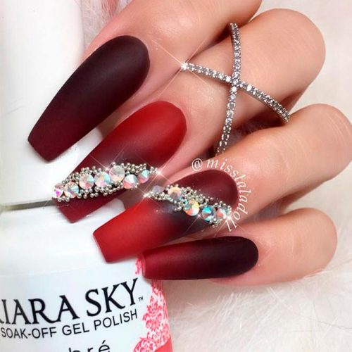 Trendy Matte Nails With Ombre Effect #ombrenails #mattenails #rhinestones