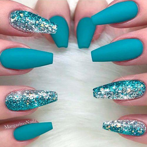 Glitter Gradient Nail Art #glitternails #mattenails