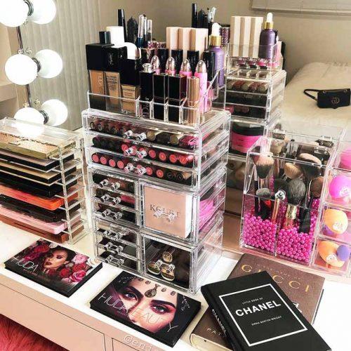 Lipsticks And Palettes Holders #vanitytable