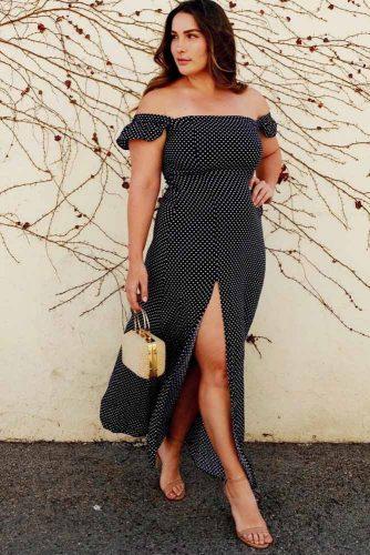 Long Dress In A Polka Dot Pattern #longdress #polkadots
