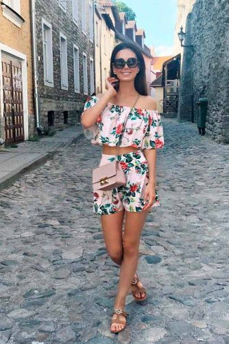 Elegant Floral Shorts And Top Set #summersuits #summerset