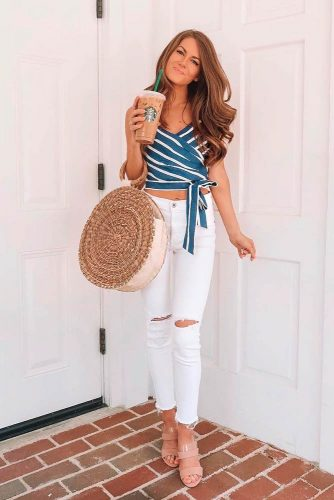 Striped Top And White Jeans #whitejeans