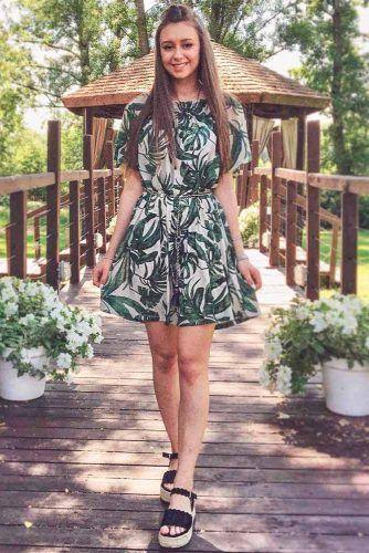 Short Summer Dress With Tropic Floral Print #summerdress #shortdress