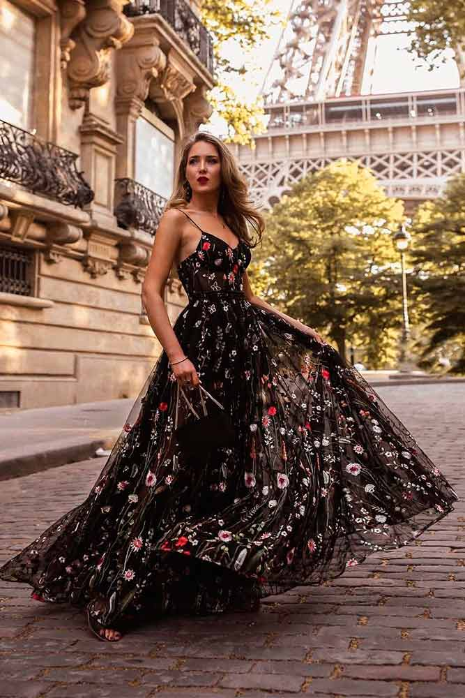 Layered Black Wedding Guest Dress With Floral Print #blackdress #summerdress