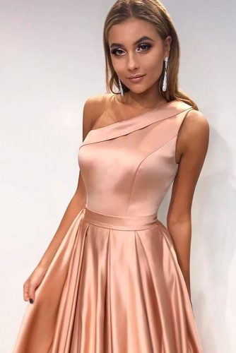 One Shoulder Gold Dress #rosegolddress #oneshoulderdress