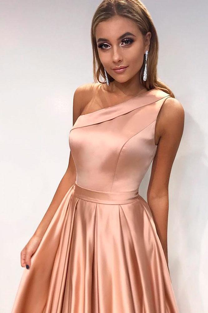 One Shoulder Gold Dress #rosegolddress #oneshoulderdress