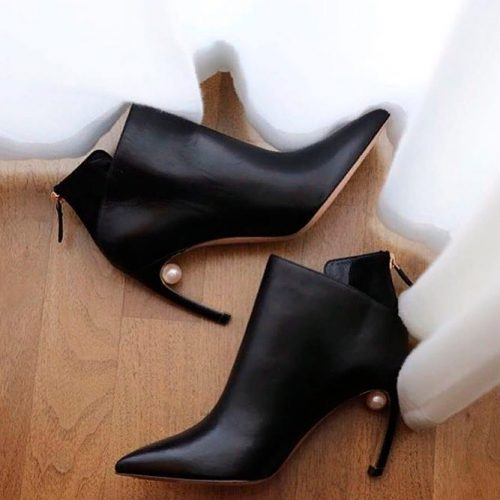 Elegant Ankle Boot With Comma Heels #fallshoes #boots #heeledboots