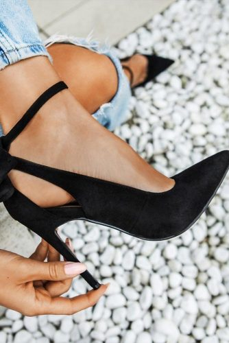 Black Velvet Pumps #blackpumps