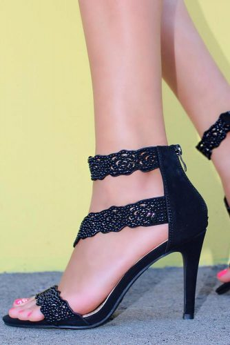 Black High Heels With Fringe #silettosandals