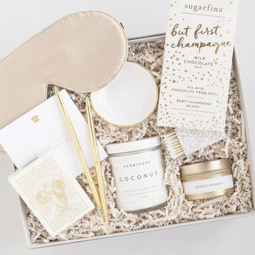 Gift Box Idea For The Bride #giftbox