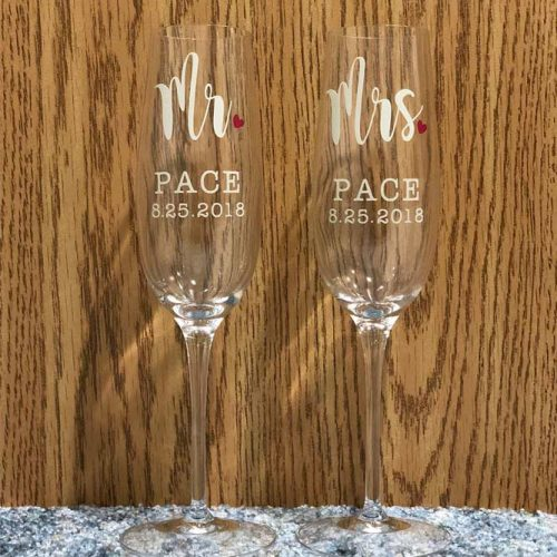 Champagne Glasses Gift Idea #champagneglasses