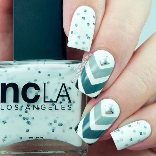 Perfect Easy Chevron Nail Design  #chevronnails #glitternails