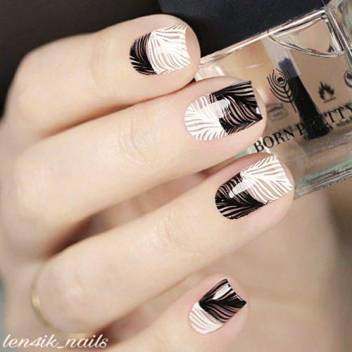 Lovely Monochromatic Nail Design #blackandwhitenails #stampingnails