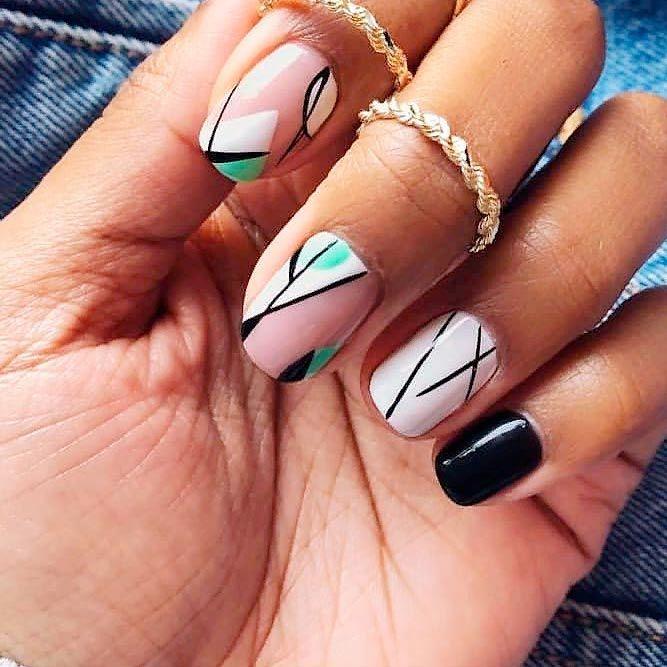 Contrasting Geometric Nail Art #nudenails #geometricnails