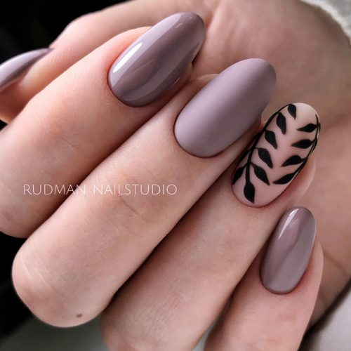 Stunning Mauve Mani Accented With Velvet Leaves #mauvenails #ovalnails #longnails #mattenails #leavesnails #floralnails