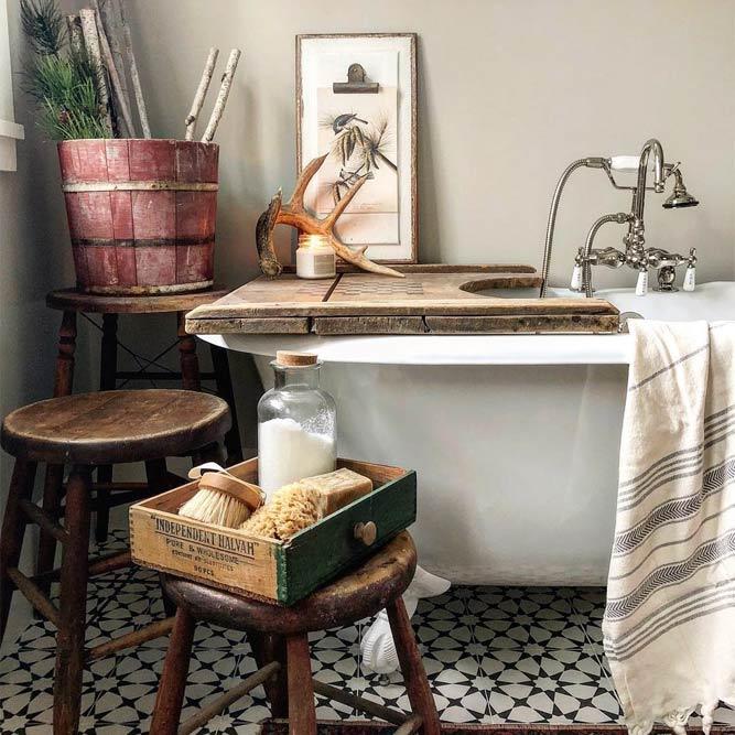 Rustic Bathroom Decor #rusticaccents #vintage