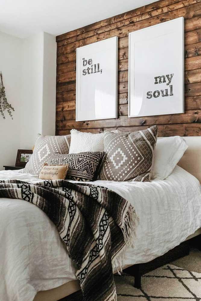 Rustic Bedroom Décor In Cozy Farmhouse #rusticbedroom