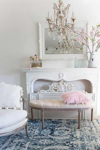 Living Room Décor In French Style #frenchstyle #livingroom