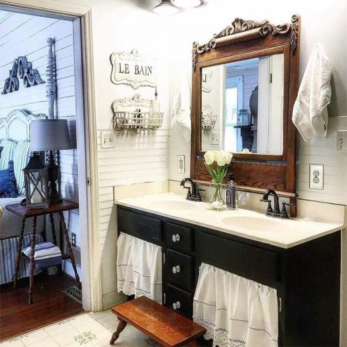 Vintage Bathroom Design #vintagemirror
