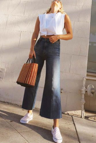 Flare High Waisted Jeans Idea #flarejeans