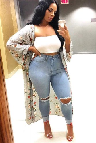 High Waisted Outfit Idea For Curved Lady #rippedjeans