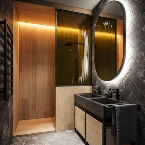Black Bathroom Design With Lighted Mirror #lightedmirror