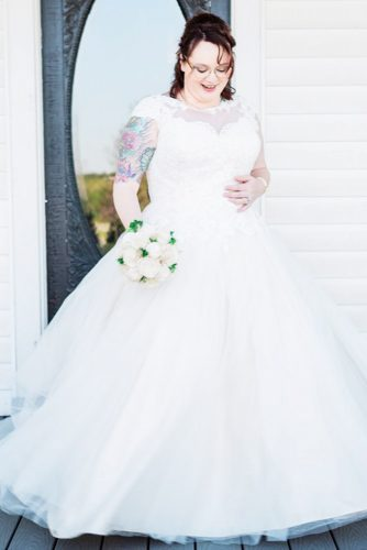 A-line Plus Size Design For Not Tall Bride #capsleeves #nottallbride