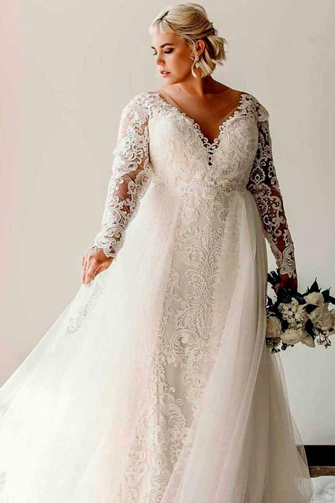 Classic Lace Wedding Dress With A Second Look Skirt #lacedress #weddinggown