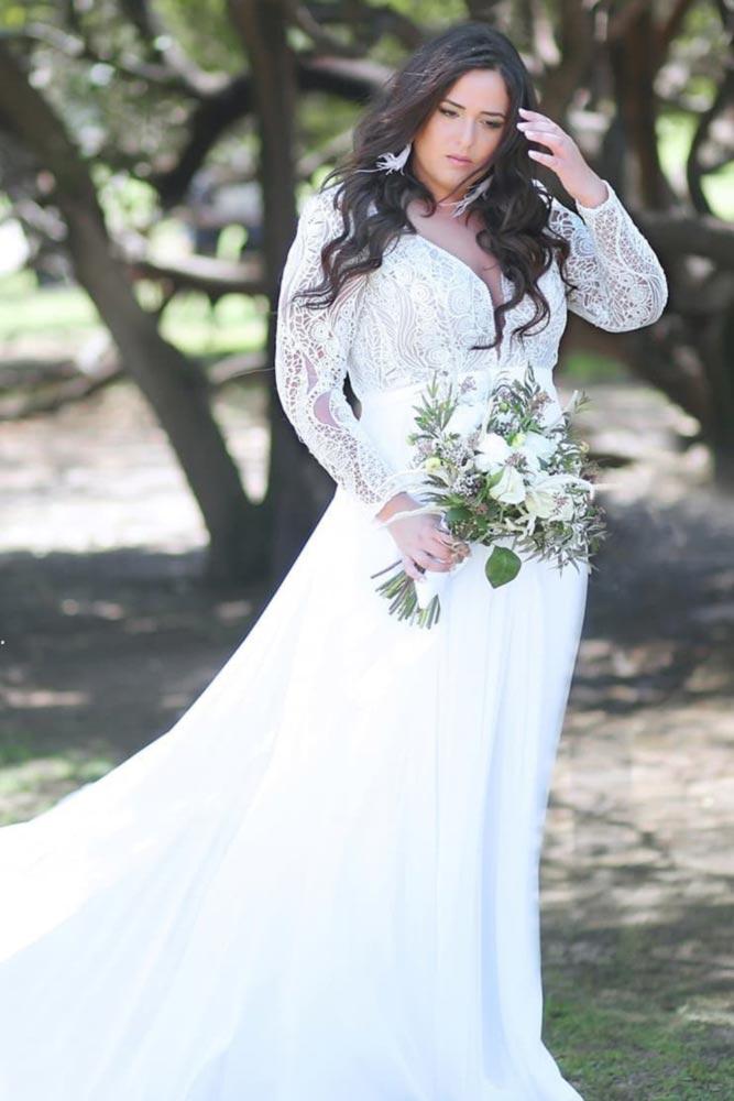 Bohemian Wedding Dress With Long Sleeves #bohemiandress #laceweddingdress