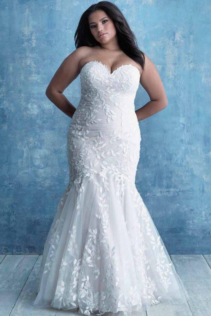 Mermaid Plus Size Wedding Dress With 3-D Lace #3dlace #straplessdress