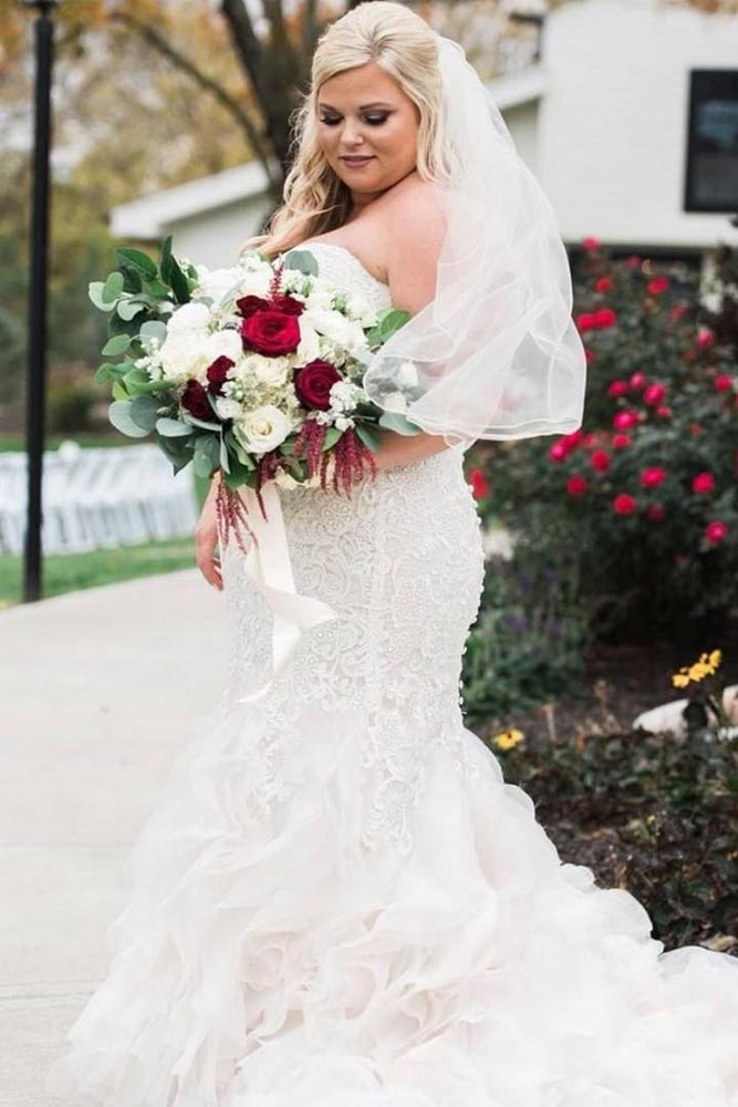 Mermaid Dress Design For Curve Not Tall Bride #mermaidweddingdress