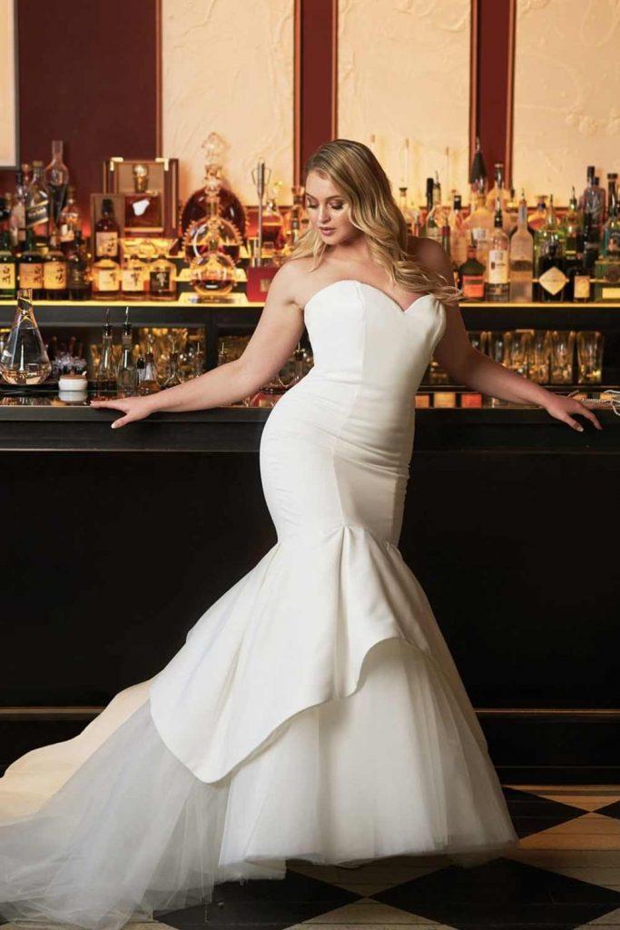 Clear Mermaid Wedding Dress #clearweddingdress #modernweddingdress