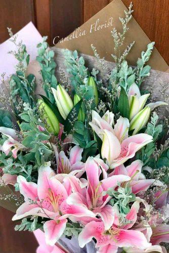 """Stargazer Lily – Garden """"Star"""" With Sweet Perfume #bouquet #stargazerlily #gardenflowers"""