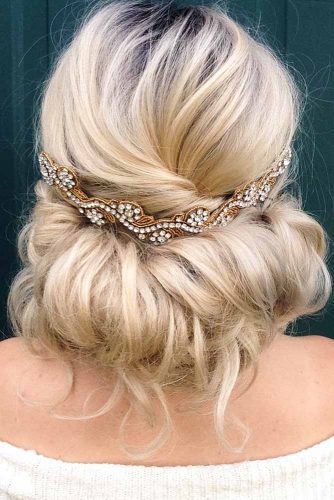 Blonde Updo Hair Style For Long Hair #messyupdo #hairaccessory