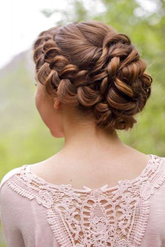 Dutch Braid With A Voluminous Twisted Updo #sidebraid #braidedupdo