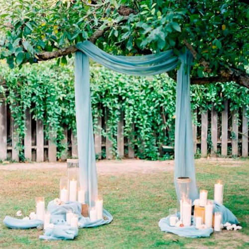 An Extraordinary Idea Of Arch With The Draped Tree #modernweddingarch #weddingarchdraping