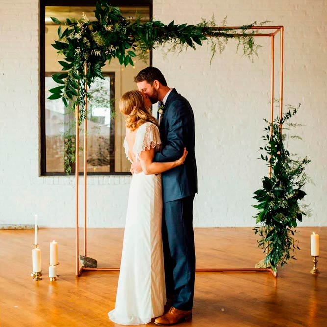 Stylish Unconventional Bases #indoorweddingarchway #modernweddingarch