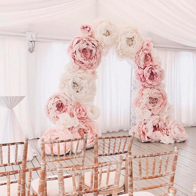 Mind-Blowing Paper Flowers As Wedding Arch Decorations #modernweddingarchway #flowersweddingarch