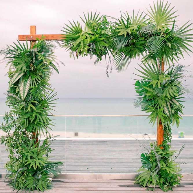 Totally Tropic Wedding Arch #outdoorwedding #tropicwedding