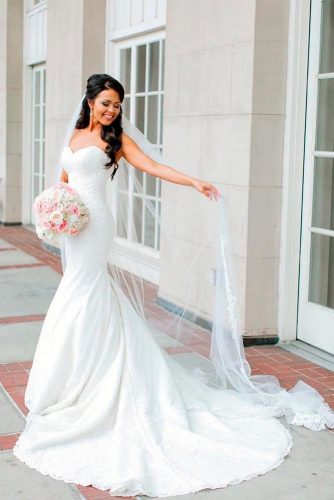 Long Veil With Your Hair Down #longweddingveils #laceweddingveils