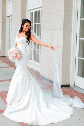 Long Veil With Your Hair Down #longweddingveils #laceweddingveils
