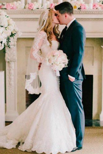 French Chantilly Lace Veil #laceweddingveils #classicweddingveils