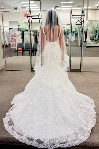 Elegant Waltz Length Veil With Lace #laceweddingveils