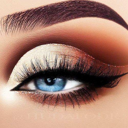 Cut Crease With Glitter And Black Eyeliners #cutcrease