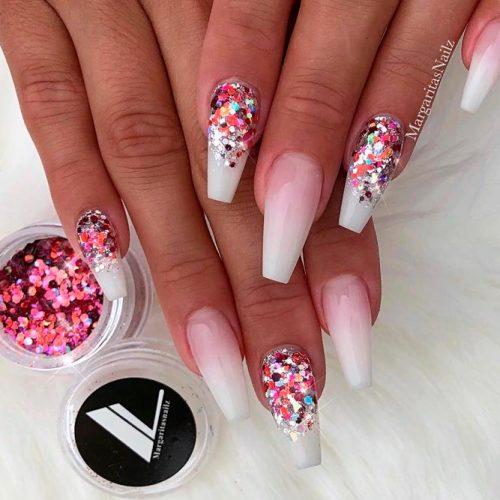 Gel Nails #gelnails #fakenailsdesigns #glitternails