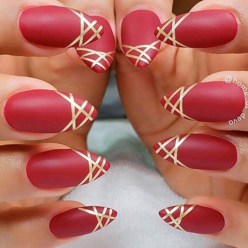Chic Matte Red Nails With Gold Stripes #mattenails #rednails #prettynails