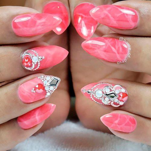 Pretty Quartz Nail Design #marblednails #pinknails #rhinestonesnails