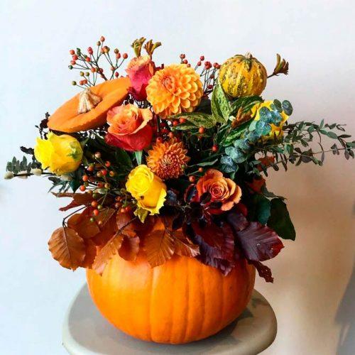 Fall Pumpkin Center Pieces #fallflowers #pumpkincenterpieces #fallcenterpieces